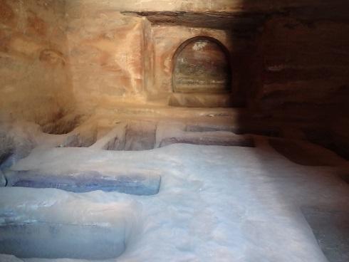 ヨルダン・ペトラ遺跡の一般人のお墓