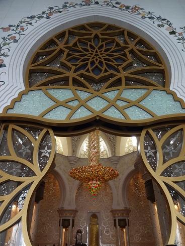 UAEアブダビのグランドモスクの入り口