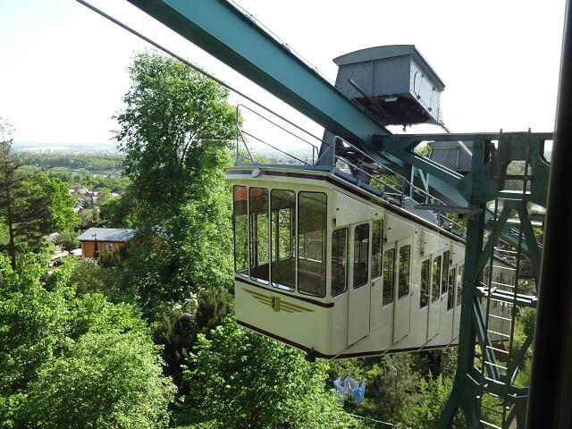 ドレスデン近郊の世界最古のモノレール