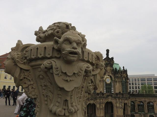 ドレスデンのツヴィンが―宮殿の像