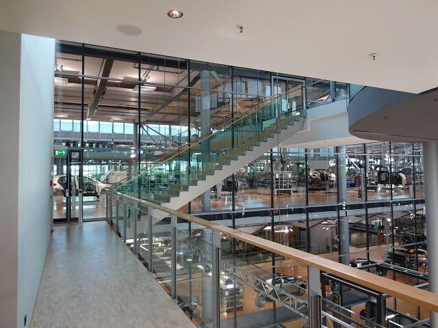 ドレスデンのフォルクスワーゲン工場の中