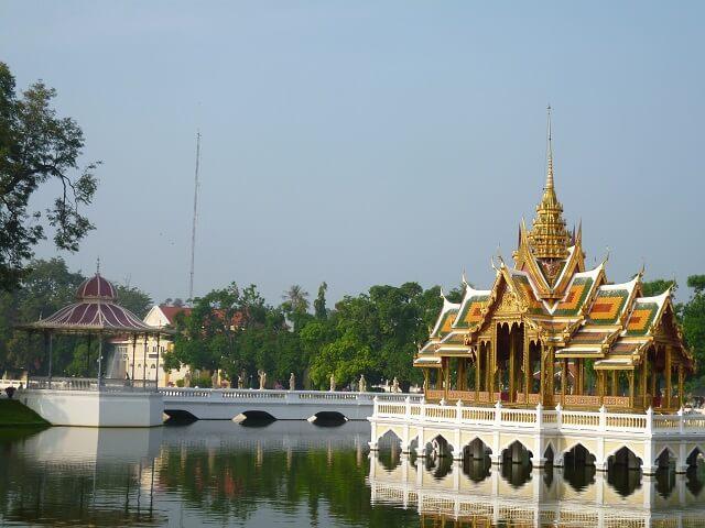 タイのアユタヤのバンパイン宮殿