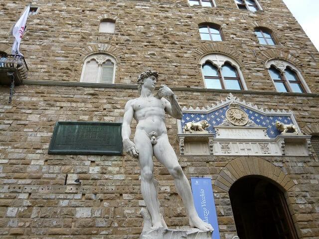 イタリア・フィレンツェのシニョリーア広場のダビデ像
