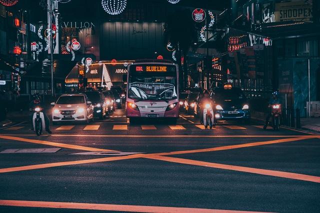マレーシア・クアラルンプール市内を走る無料バス