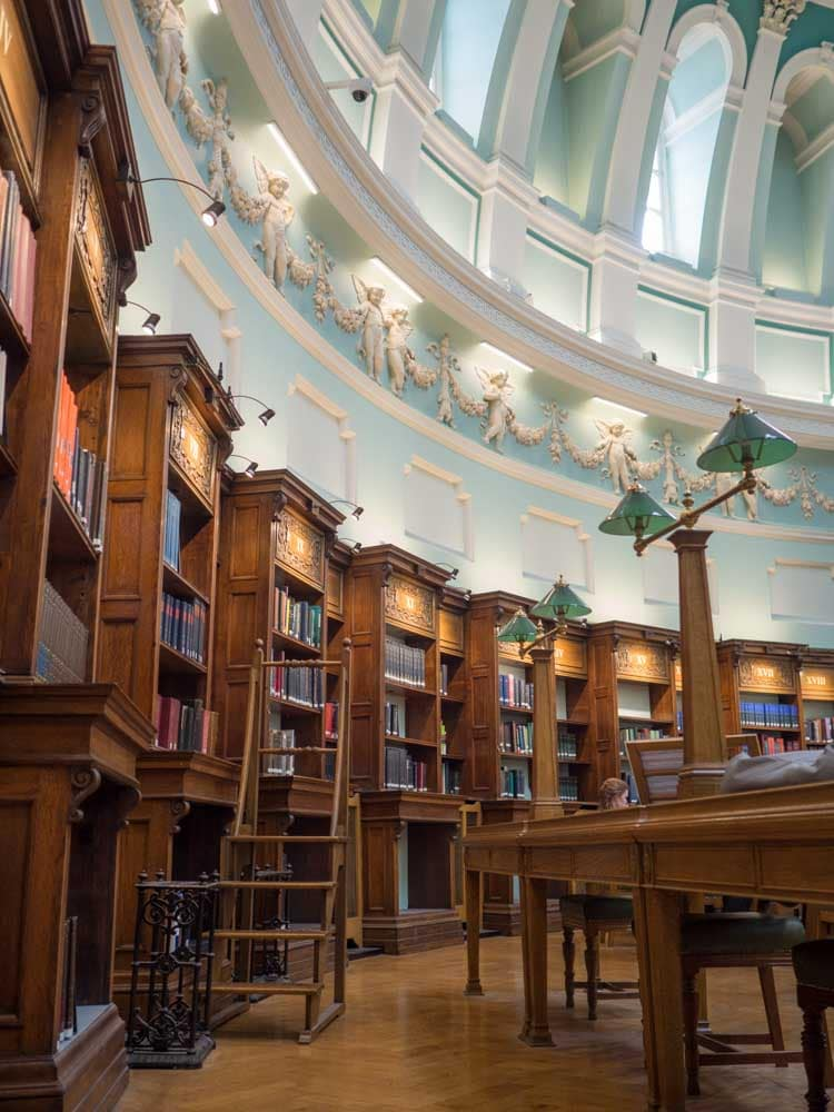 Literary tour: Dublin National Library