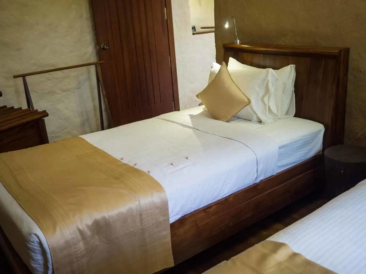 Grand Udawalawe hotel room