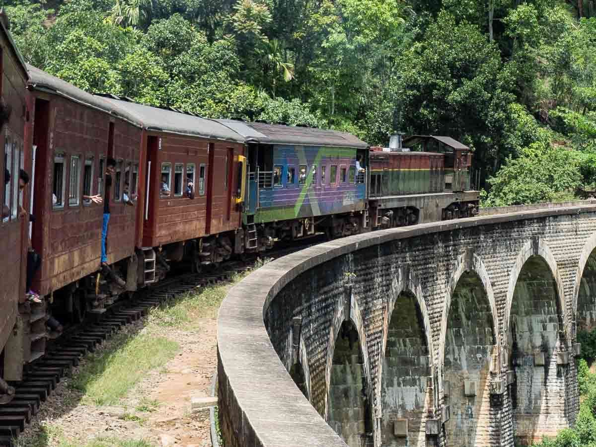 Sri Lanka travel blog advice for catching the train from Kandy to Ella