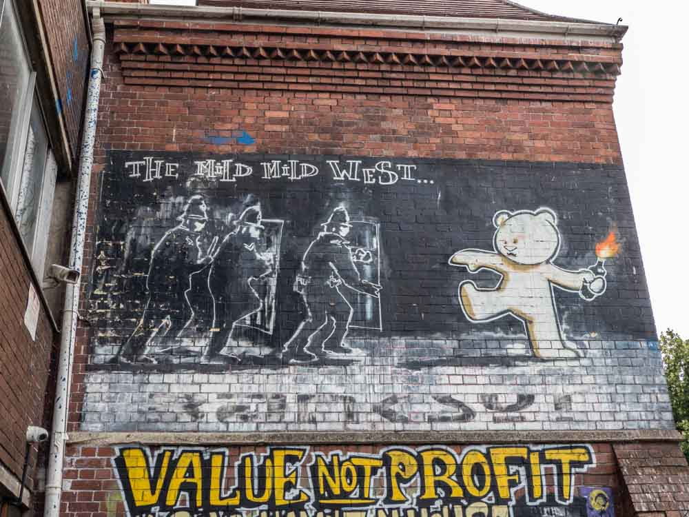 Stokes Croft Banksy stencil: Mild Mild West