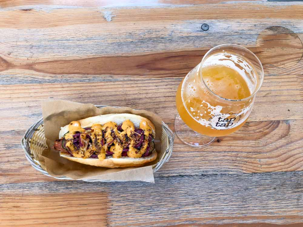 TapTap beer and hotdog in Tallinn