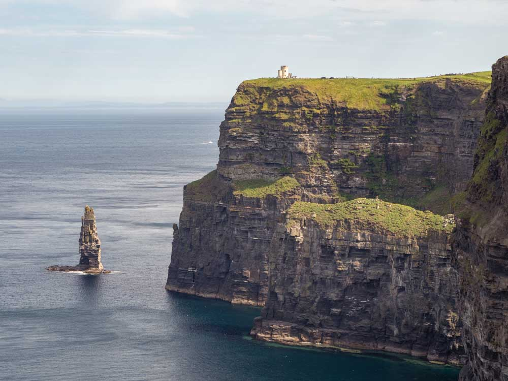 Ireland in 7 days: The Cliffs of Moher. Cliffs and stacks on the ocean