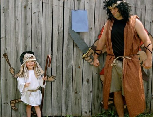 Dad and son dress up as David & Goliath