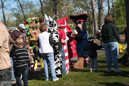 easter_in_waynedale_photo_20120615_1958076445