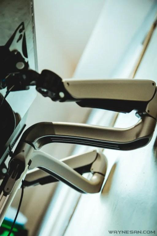 iErgoArm® 延伸軸 氣壓式 雙螢幕支架 1
