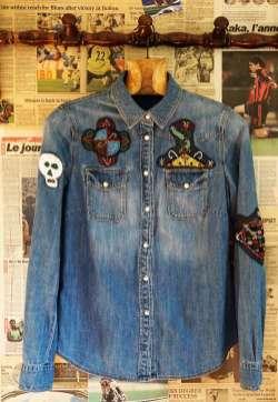Wayome Upcycling patch vaudou chemise jeans devant