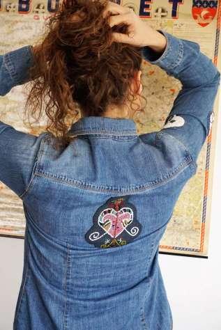 Wayome Upcycling patch vaudou chemise jeans dos