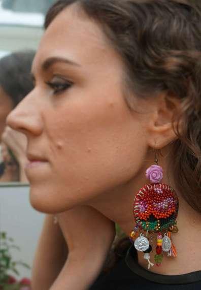 Wayome Upcycling Boucles d'oreilles en canevas profil gauche