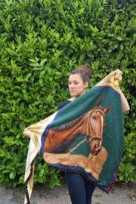 Wayome Upcycling foulard cheval dos regard gauche