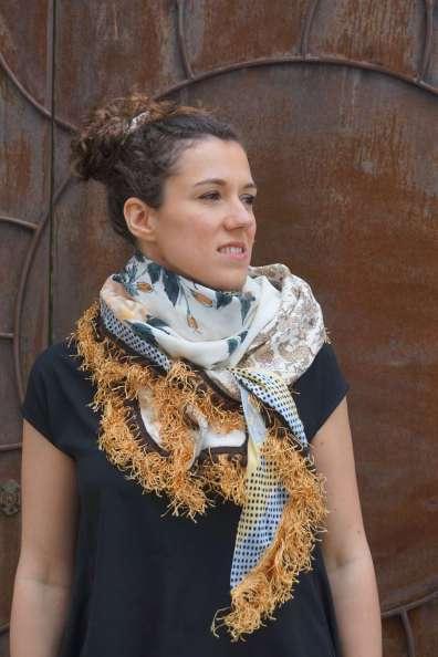 Wayome Upcycling foulard paille soleil regard droite