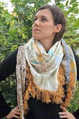 Wayome Upcycling foulard paille vert zoom regard haut