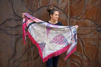 Wayome Upcycling foulard rose fushia droit cote face