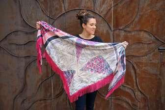 Wayome Upcycling foulard rose fushia droit cote face