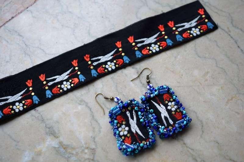 upcycler des rubans BO cigognes bleu