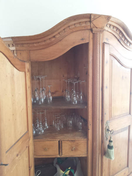 Old_cabinet 2