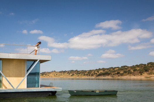 Solar-powered-floating-house 7