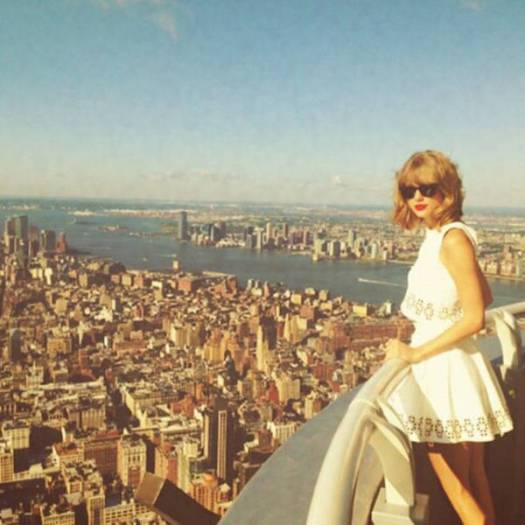 taylor_swift_doppelganger_02
