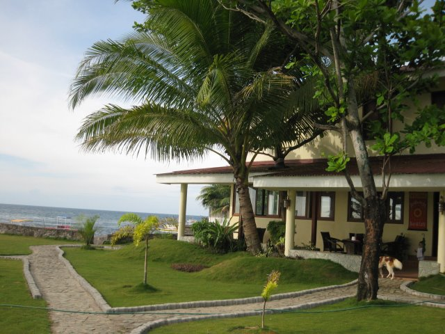 Puesta-del-Sol-Beach-Bungalows-and-Cafe