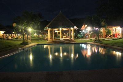 Bodos-Bamboo-Bar-Resort-Restaurant-night-pool