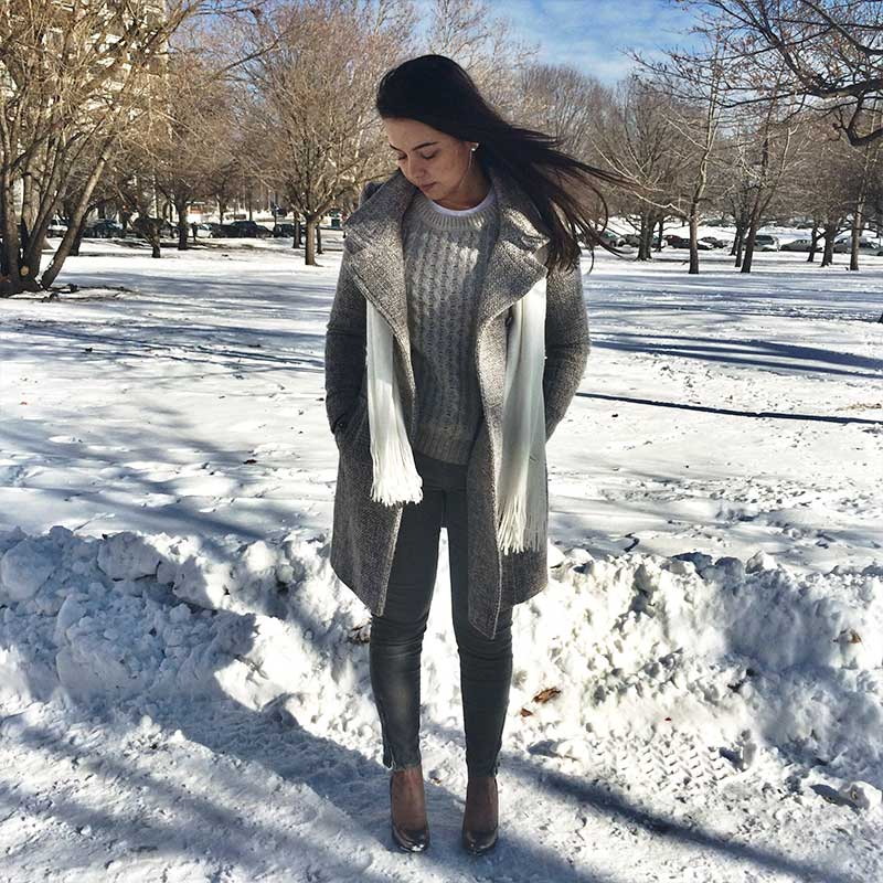 Neutral winter outfit. Easy classic look for Winter