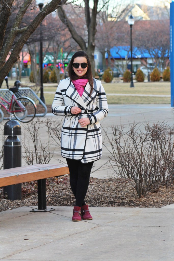 What to wear in the Winter when you don't know what to wear. Black and white with a pop of color