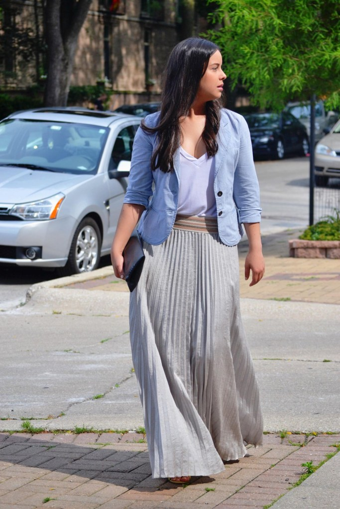 Styling a maxi skirt with a white t-shirt and blazer