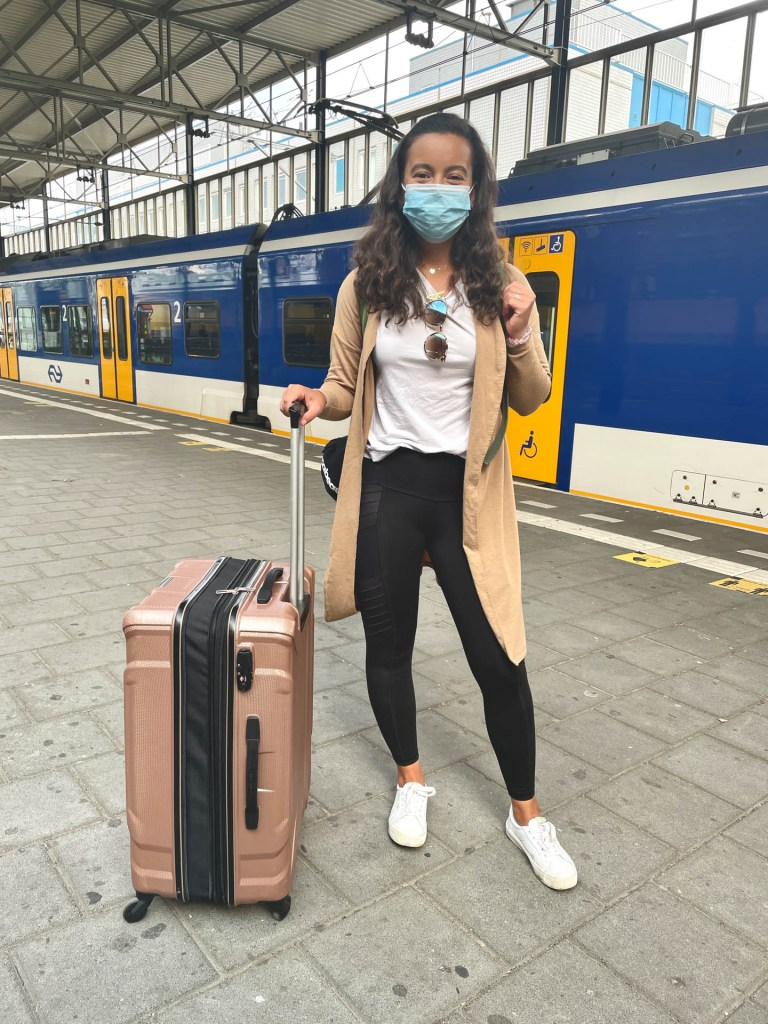 What to wear for the airport