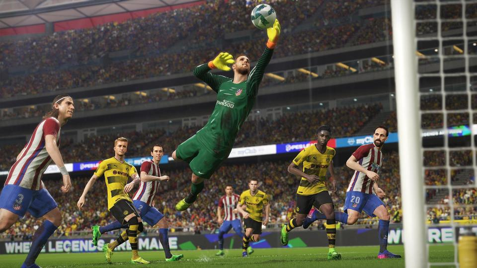 E3 Hands-on: FIFA 19 vs. Pro Evolution Soccer 19 (PS4)