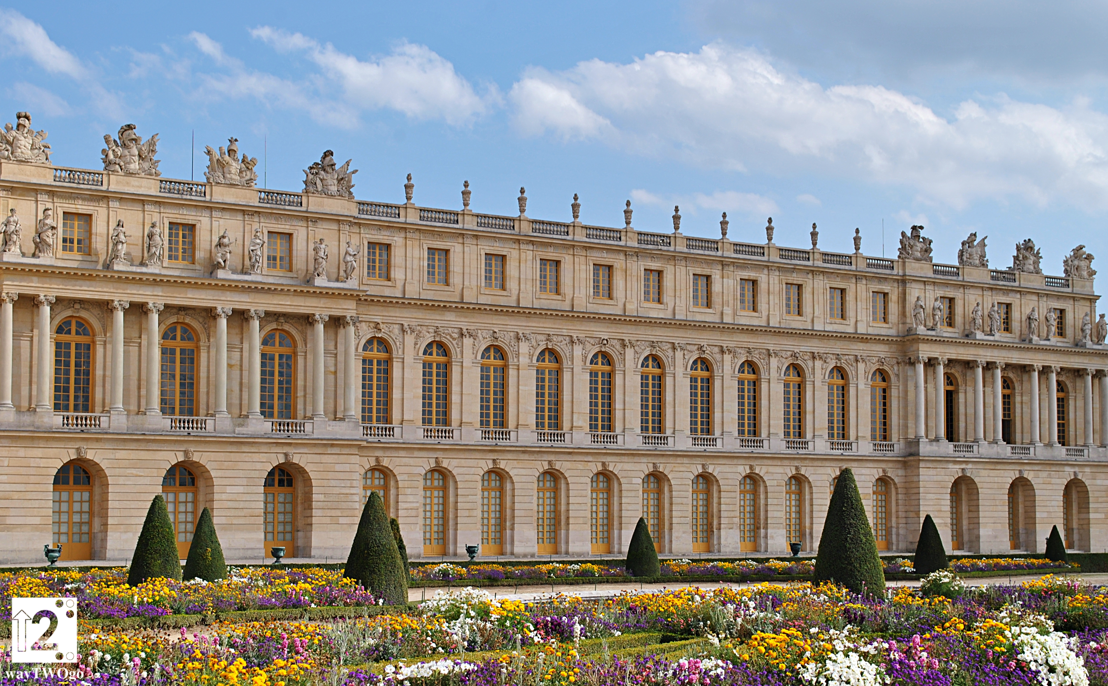 VERSAILLES     the perfect fusion of decadence and glory