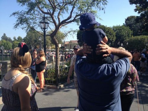 Coping With Anxiety at Disneyland: 5 Tips From An Annual Passholder