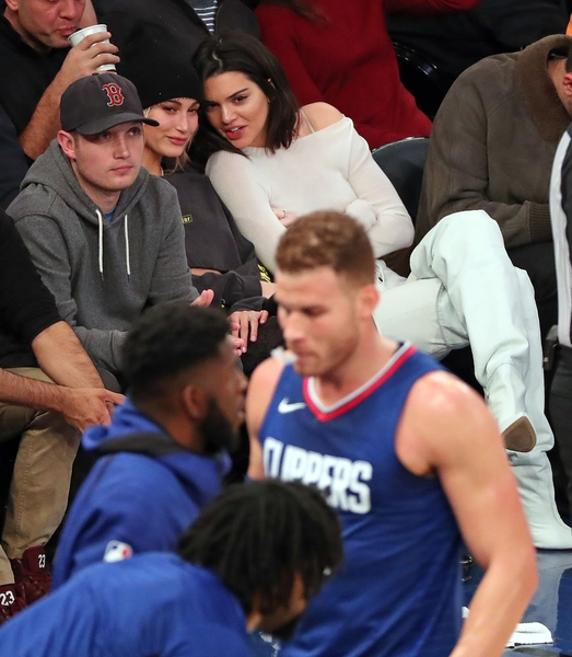 Kendall jenner beau blake griffin make red carpet debut almost jenner and griffin have been regularly sighted around town together since then with the kuwtk star often sitting court side to watch the los angeles m4hsunfo Gallery