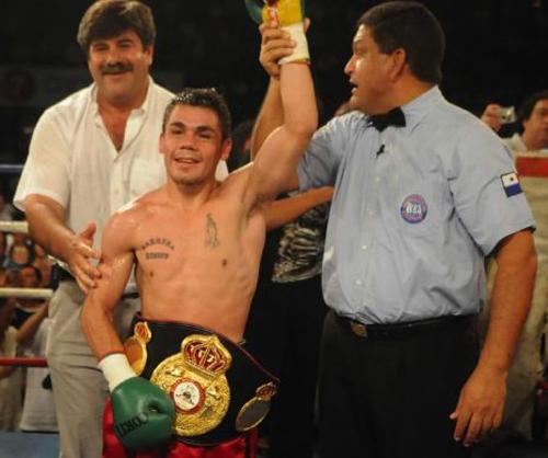 Reveco retains WBA belt