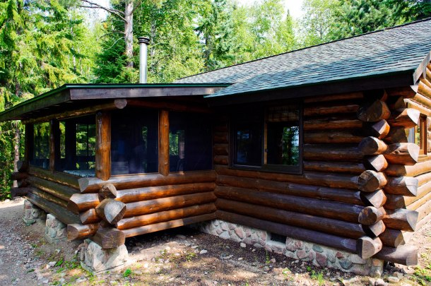 Cabin Three: Exterior