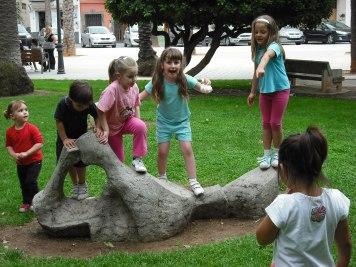 Jugando en el parque de Silla, cumpleaños Pau 2009