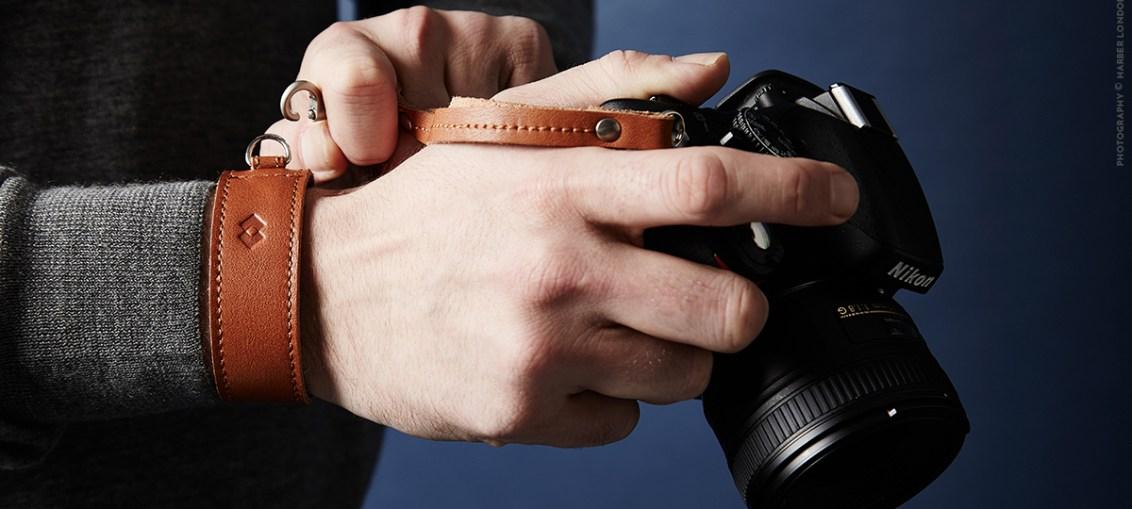 handmade-leather-camera