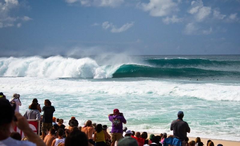 picos do mundial de surf - pipeline onda