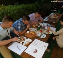 Czosnek Burger z BUNKRA wygrał w konkursie kulinarnym Mieleckiego Przewodnika Gastronomicznego na Najlepszego Mieleckiego Burgera!