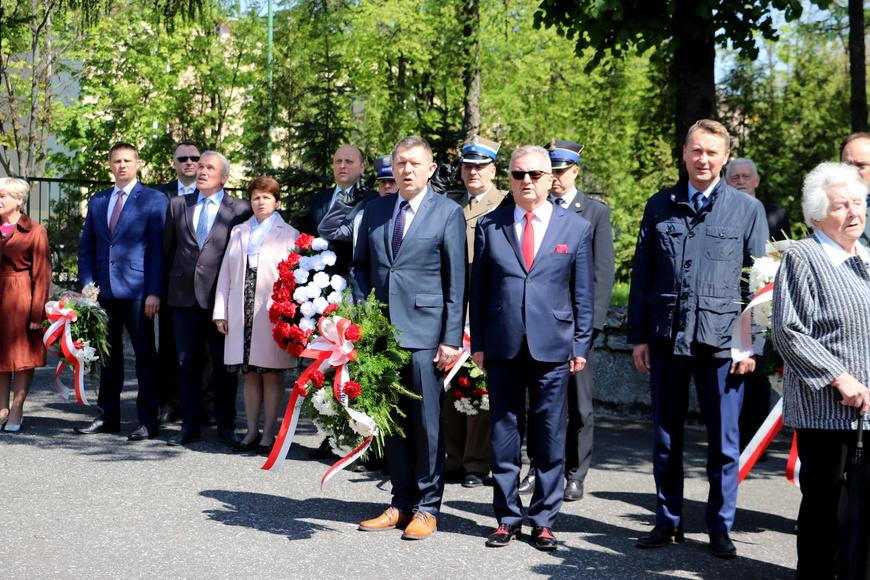 Dziś upamiętniono 74. rocznicę zakończenia II wojny światowej w Europie [FOTO]