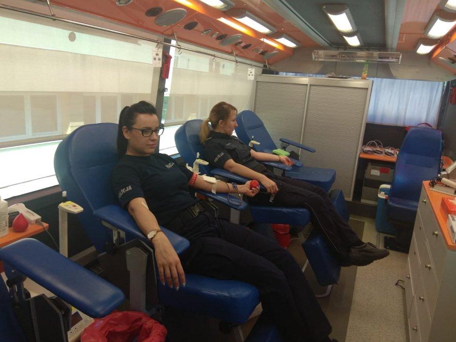 """Mieleccy policjanci wsparli akcje """"Oddaj krew i uratuj czyjeś życie"""""""