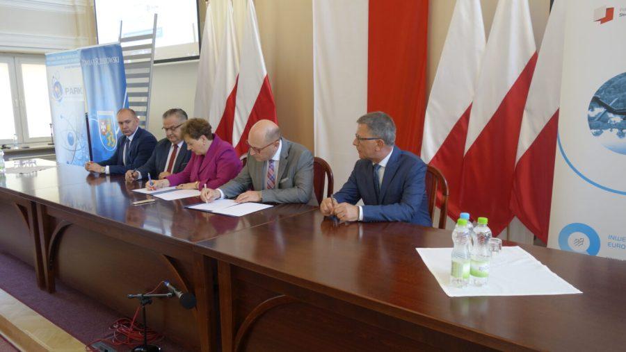 Agencja Rozwoju Przemysłu S.A. podpisała porozumienie z województwem podkarpackim [FOTO]
