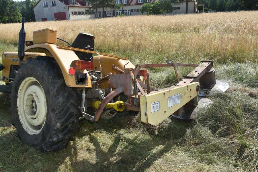 Traktor przejechał mężczyznę w Niwiskach
