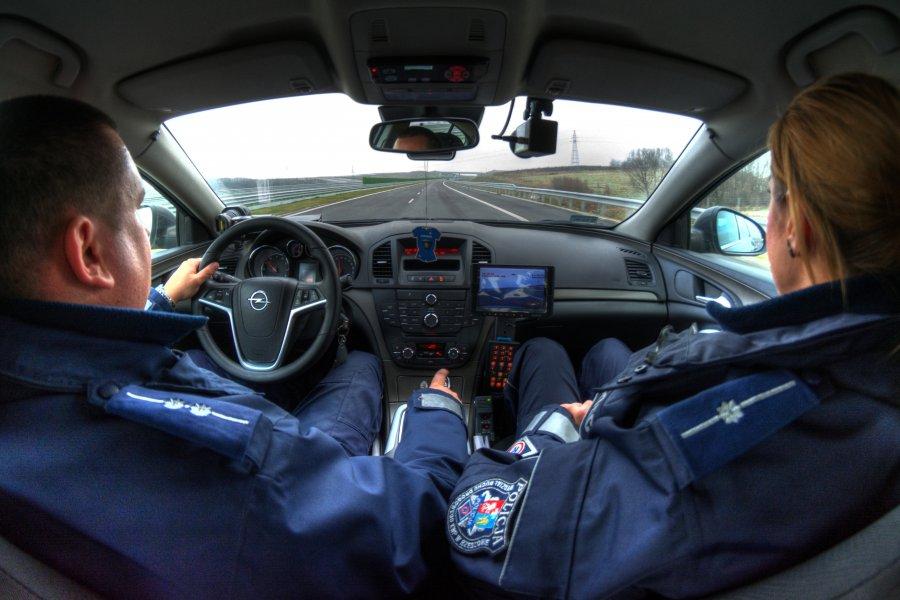 """Policyjna grupa """"Speed"""". Najszybsze radiowozy BMW o podwyższonej mocy"""